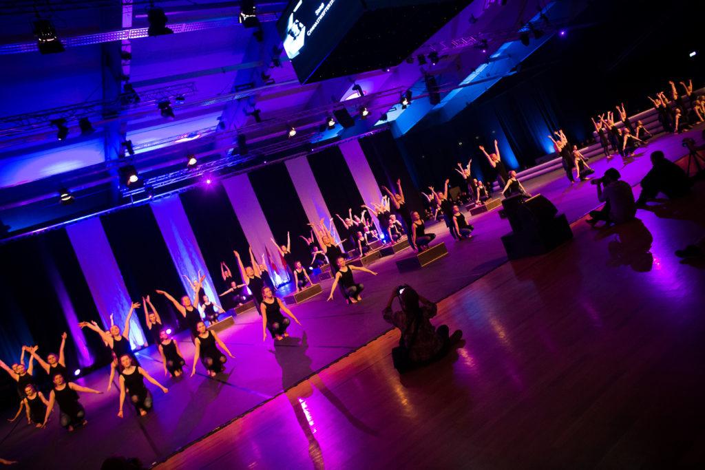 180 efterskole elever til gymnastikshow