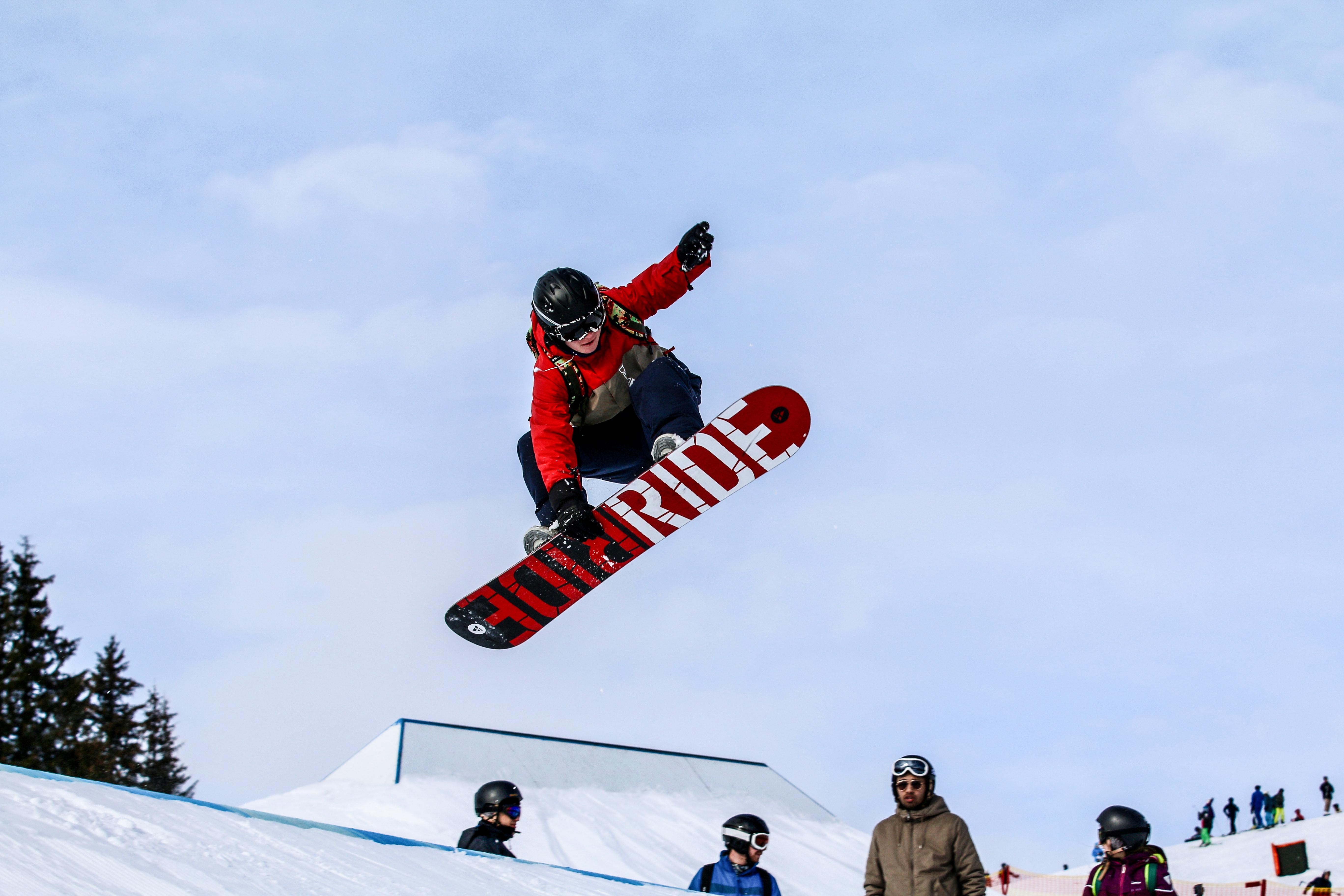 Snowboard og ski på efterskole