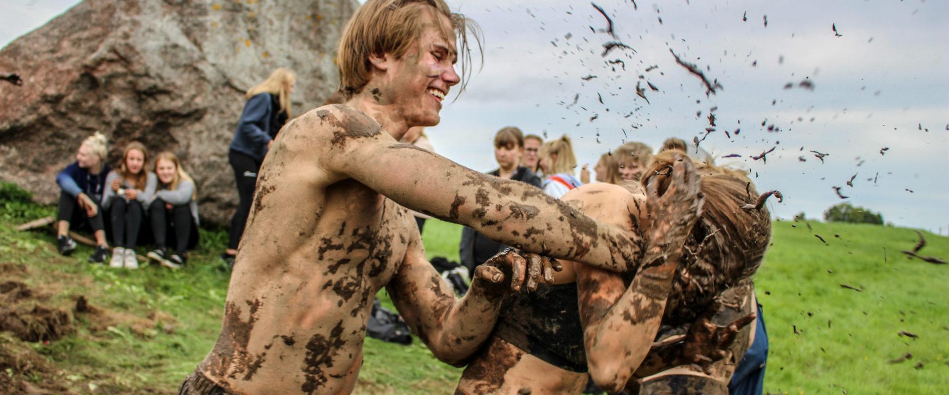 Mudderkamp på efterskole