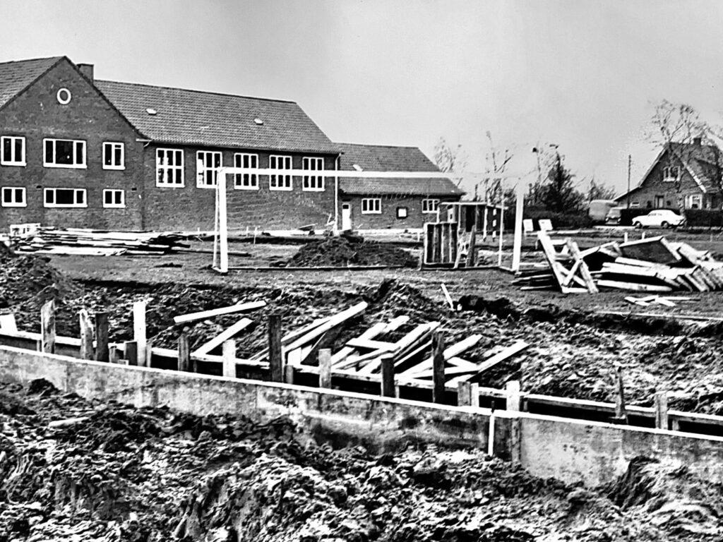 Byggeri af elevfløj på Topshøj 1970